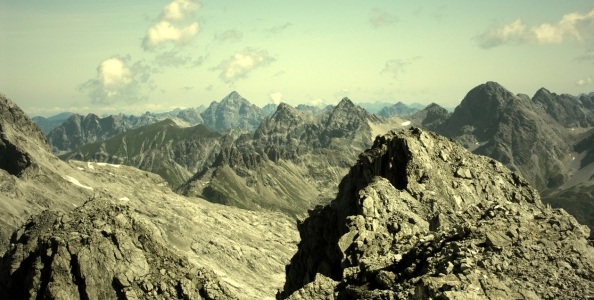Picture no: 9302131 Mountains Created by: spinatfrosch