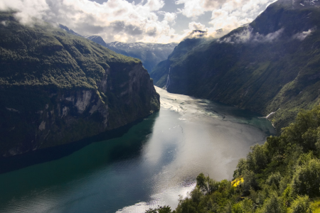 Picture no: 9377210 Geiranger Fjord Created by: johnzero