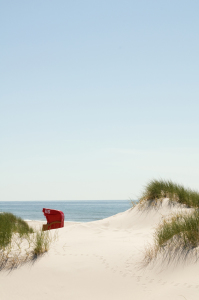 Picture no: 9525842 roter Strandkorb 2 Created by: danielschoenen