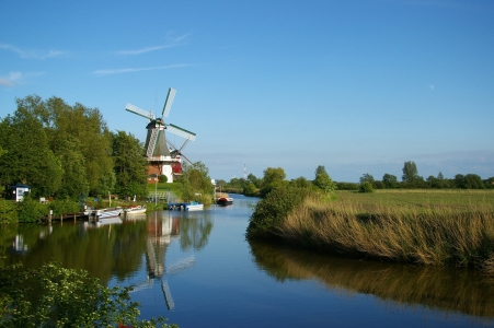 Picture no: 9707678 Windmühle am Fluss Created by: Laake-Fotos