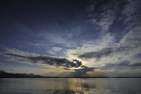 Picture no: 9856692 Abendhimmel am Chiemsee Created by: quelindo