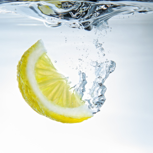 Picture no: 10056839 lemon water (reload) Created by: photoplace
