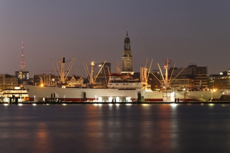 Picture no: 10060075 Hamburger Hafen mit Michel, Fernsehturm, Cap San Diego Created by: Luckystar