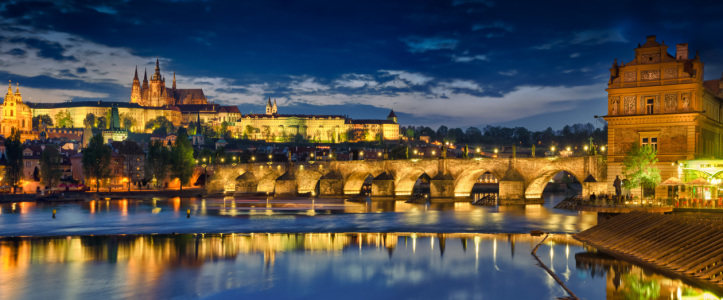 Picture no: 10083285 Prag Panorama mit Karlsbrücke und Burg Created by: FineArtImages