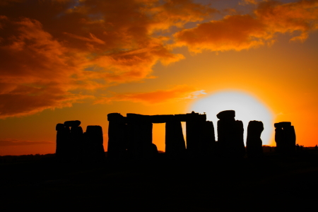 Picture no: 10332277 Sunrise above Stonehenge Created by: SLSepp