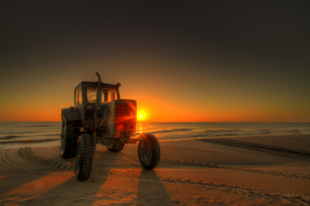 Picture no: 10337369 Traktor sunrise Created by: PhotoArt-Hartmann