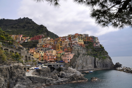 Picture no: 10399155 MANAROLA Created by: GUGIGEI