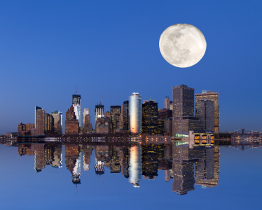 Picture no: 10463498 Mond über New York Created by: janschuler