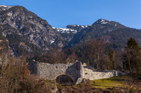 Picture no: 10475860 Tirol  - Schlossruine Thaur Created by: wompus