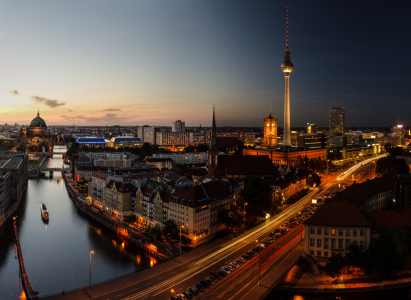 Picture no: 10635308 Berliner Skyline bei Nacht Panorama Created by: Jean Claude Castor