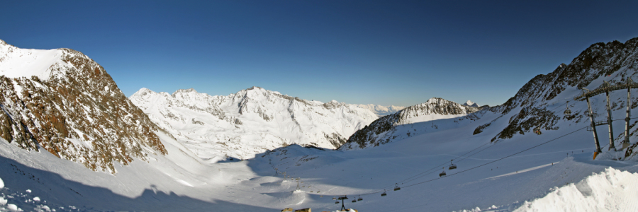 Picture no: 10641104 Stubai Gletscher Express Created by: FotoDeHRO