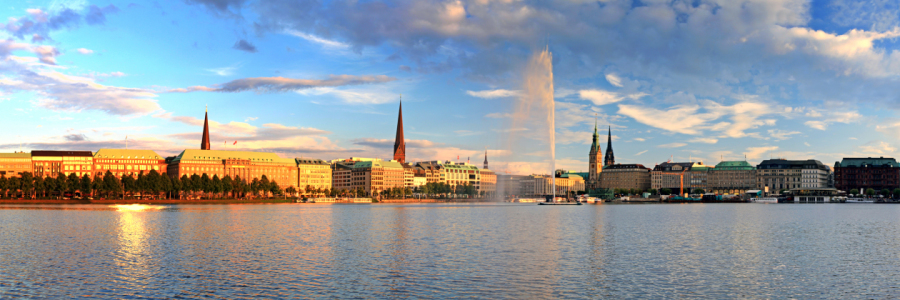 Picture no: 10642260 HH Binnenalster Created by: FotoDeHRO
