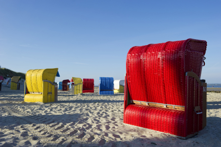 Picture no: 10654272 roter Strandkorb Created by: danielschoenen