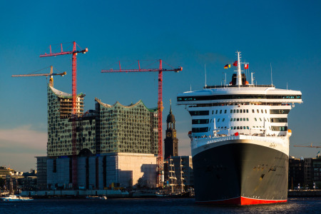 Picture no: 10656740 Queen Mary - Hamburg Created by: BvuPhotography