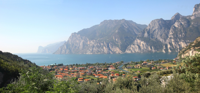 Picture no: 10663862 Riva del Garda Created by: SusaZoom