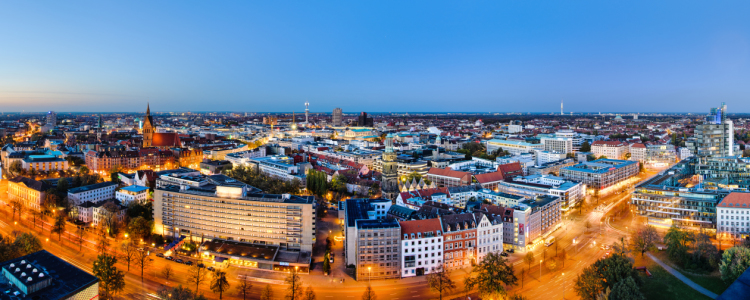 Picture no: 10746977 Hannover Skyline Created by: Mapics