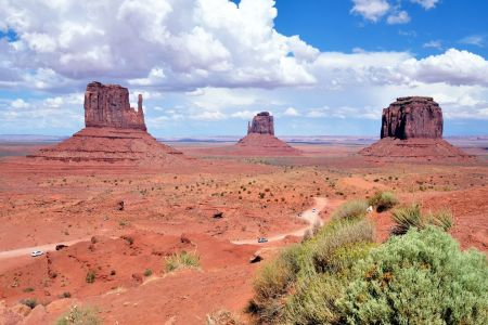 Picture no: 10797975 Monument Valley Created by: Icebeer