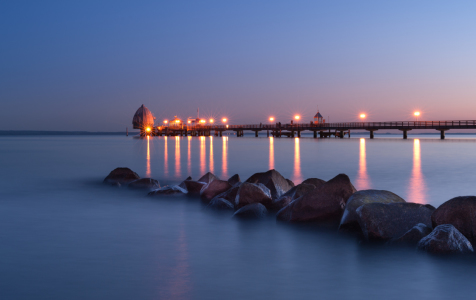 Picture no: 10828821 Pier Lights Created by: Nordbilder
