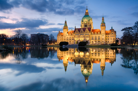 Picture no: 10905771 Rathaus Hannover abends Created by: Mapics