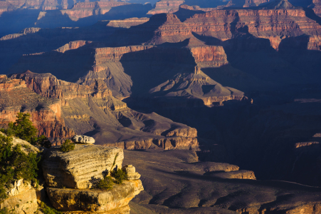 Picture no: 10915191 First light in Grand Canyon Created by: DenisFeiner