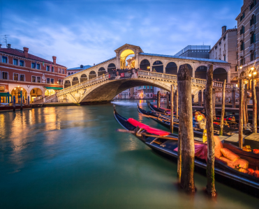 Picture no: 11166142 Rialtobrücke in Venedig bei Nacht Created by: eyetronic