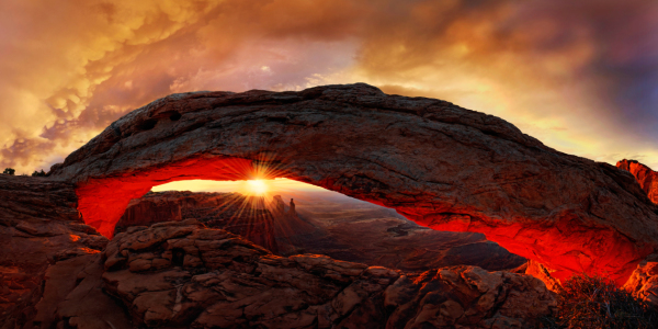 Picture no: 11211108 Mesa Arch Sunrise Created by: Michael Rucker