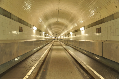 Picture no: 11318940 Alter Elbtunnel Created by: Katilla
