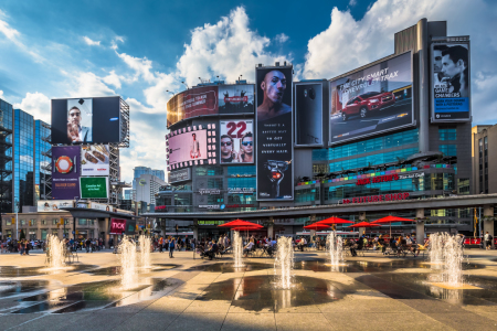 Picture no: 11338975 TORONTO 07 - Yonge-Dundas Square Created by: Tom Uhlenberg