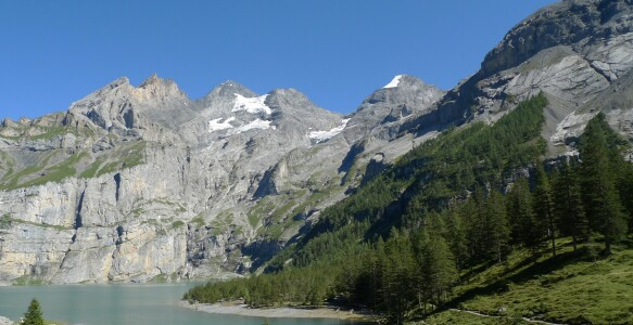 Picture no: 11389171 Weg am Oeschinensee Created by: kattobello