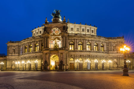Picture no: 11429196 Semperoper im Abendlicht Created by: Martin Wasilewski