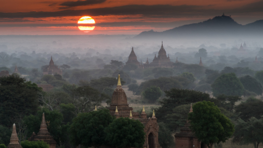 Picture no: 11472907 Red Sun Bagan Created by: Philipp Weindich