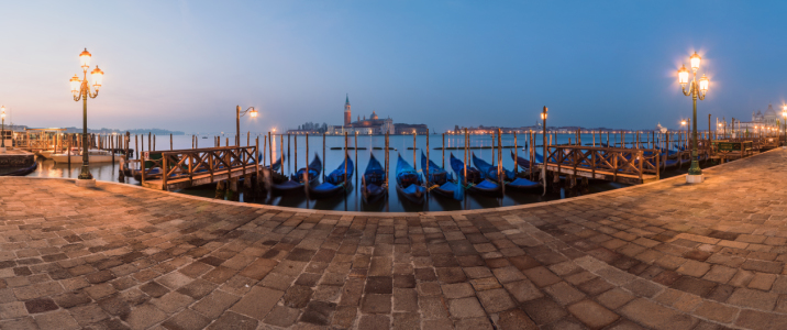 Picture no: 11492124 Venedig - Uferpromenade am Morgen Created by: Jean Claude Castor