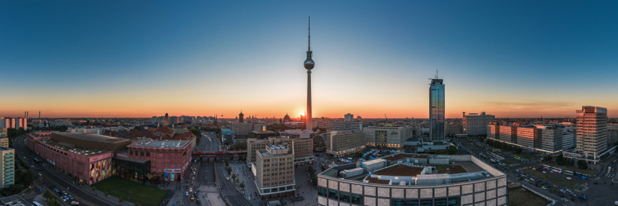 Picture no: 11599330 Berlin - Skyline Panorama Alexanderplatz zum Sonnenuntergang Created by: Jean Claude Castor