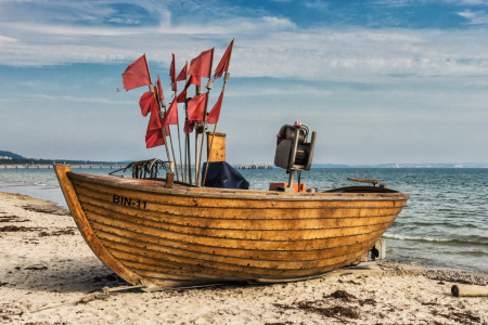 Picture no: 11601740 Ein Fischerboot am Strand der Ostsee Created by: GCK