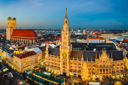 Picture no: 11821193 Marienplatz and Weihnachtsmarkt in Muenchen Created by: Mapics