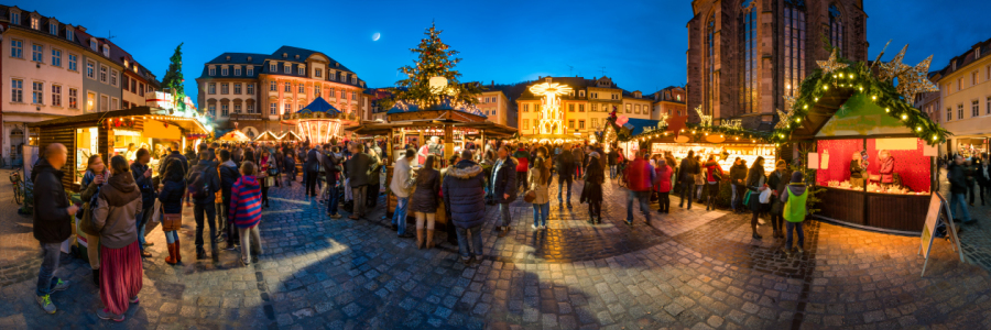 Picture no: 11838867 Weihnachtsmarkt Panorama bei Nacht Created by: eyetronic
