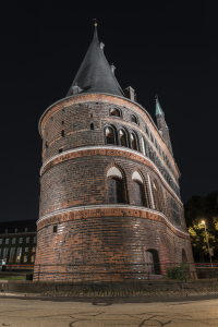 Picture no: 11846693 Holstentor in Lübeck bei Nacht Created by: StGrafix