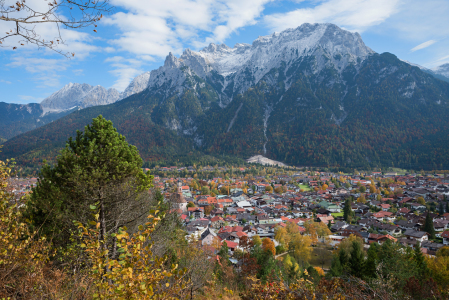 Picture no: 11880603 Mittenwald Created by: SusaZoom
