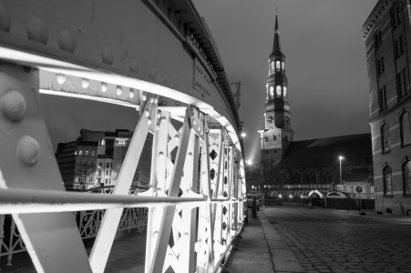 Picture no: 11883991 Lichtbrücke-Hamburg Created by: Jacques