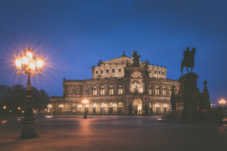 Picture no: 11884374 Semperoper am Abend Created by: Martin Wasilewski
