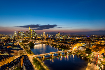 Picture no: 11902973 Frankfurt Skyline zur blauen Stunde Created by: Jens Hollerith