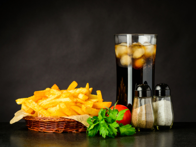 Picture no: 11904277 Pommes und Glas Cola Created by: xfotostudio