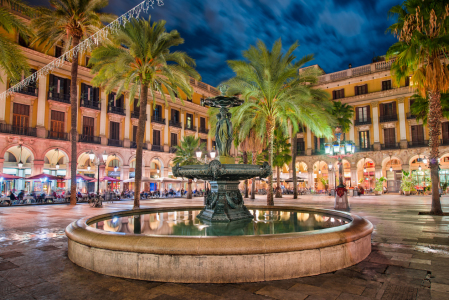 Picture no: 11913319 Placa Reial in Barcelona Created by: Mapics
