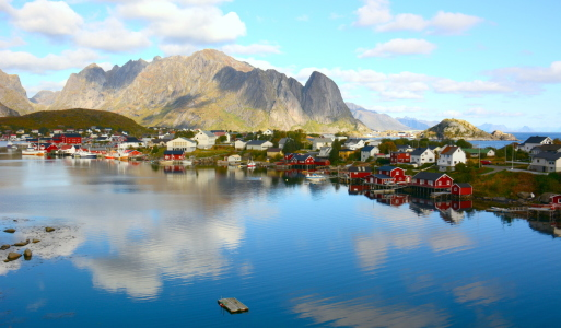 Picture no: 11918653 Reine - Lofoten Created by: GUGIGEI