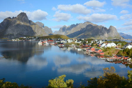Picture no: 11918655 Reine - Lofoten Created by: GUGIGEI