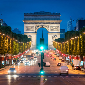 Picture no: 11931431 Arc de Triomphe und Champs Elysees bei Nacht Created by: eyetronic