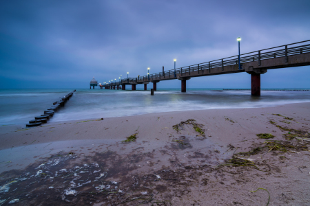 Picture no: 11942241 Seebrücke in Zingst am Abend Created by: Martin Wasilewski
