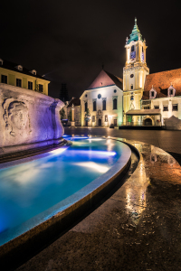 Picture no: 11946109 Maximiliansbrunnen und Rathaus in Bratislava Created by: Martin Wasilewski