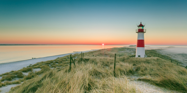 Picture no: 11964259 sunrise with early fog at the lighthouse Created by: Ursula Reins