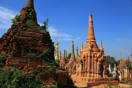 Picture no: 11969015 Shwe Inn Dein Pagoda Created by: fotoping